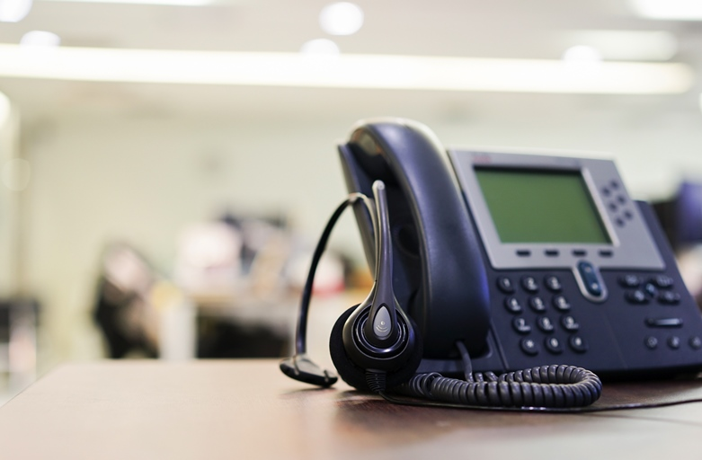 7 Things to Consider when Switching to VoIP